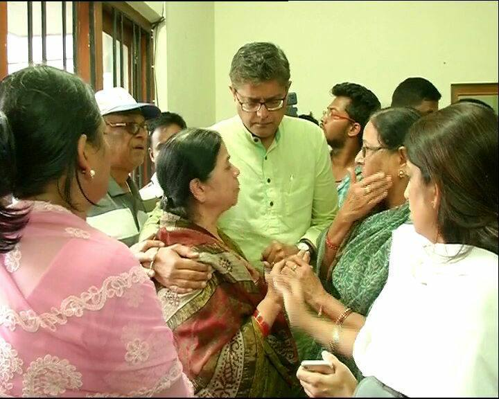 MP Baijayant Jay Panda consoling widow of late Pyarimohan Mahapatra,
